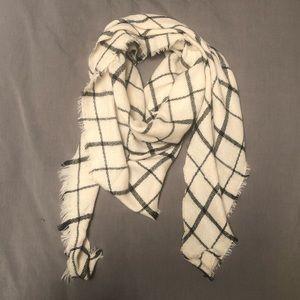 Cashmere blend triangle plaid scarf